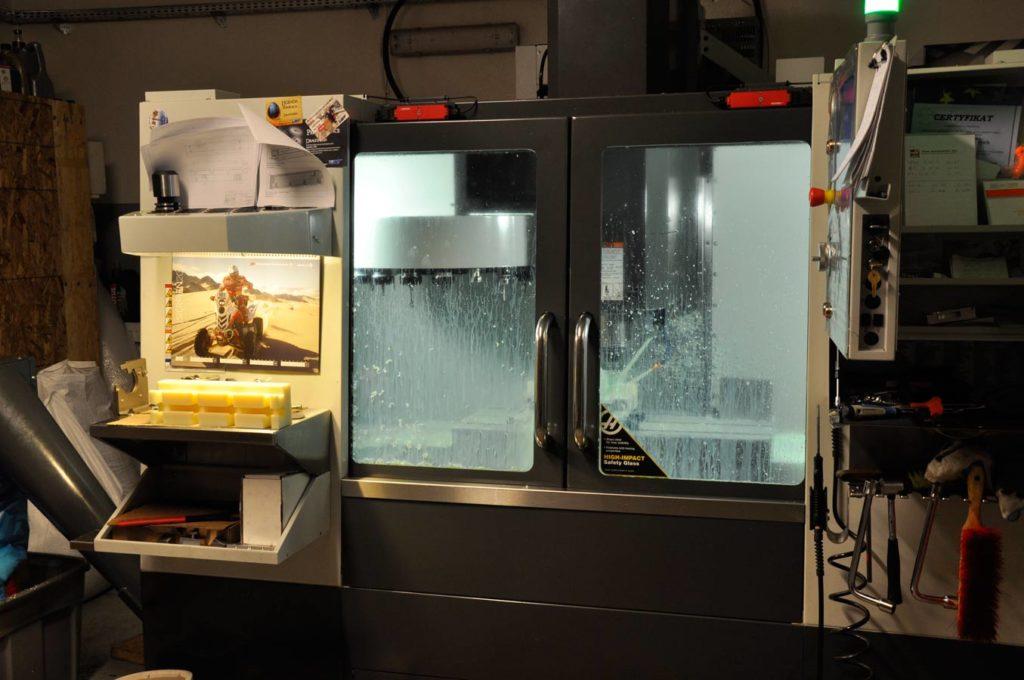 Frezowanie CNC - pionowe centrum obróbcze HAAS VF-2